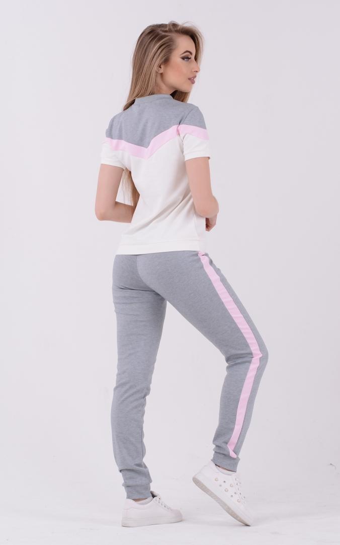 Лаконичный двухцветный костюм (серый-розовый)