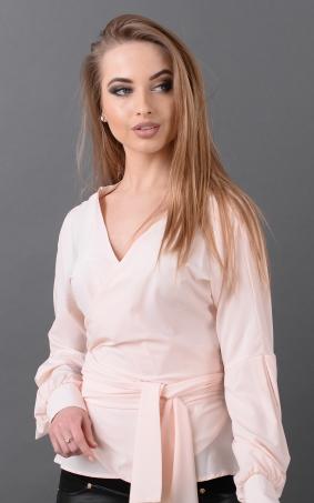Оригинальная блузка вырез