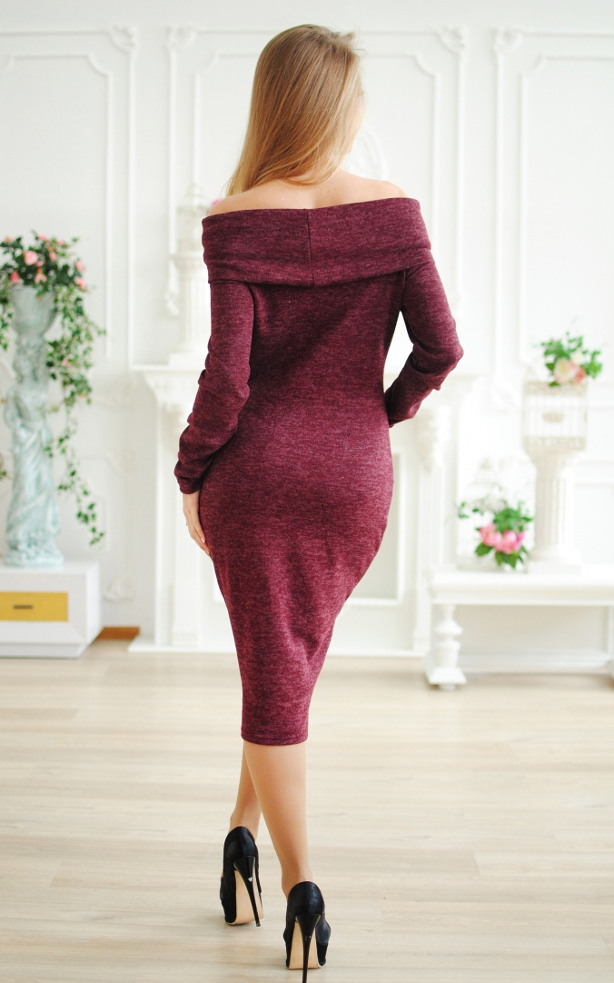 Ангорова сукня-хомут