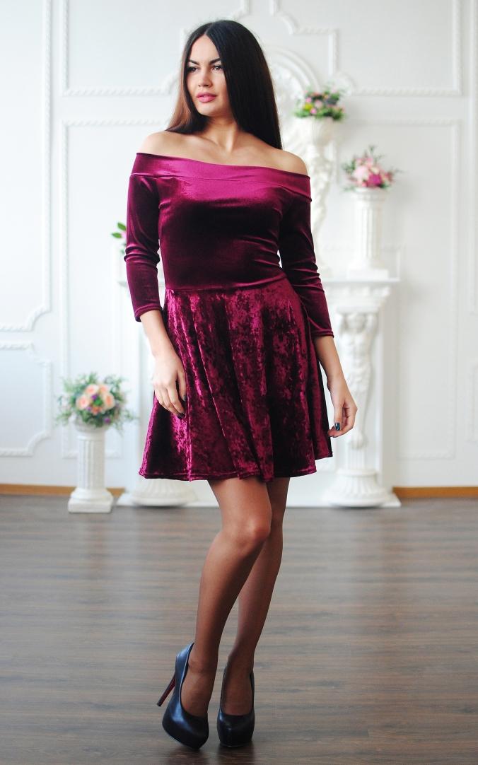 Оксамитова сукня