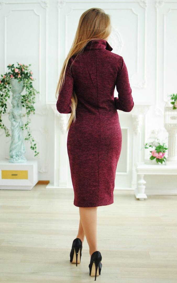 Ангоровое платье с воротником