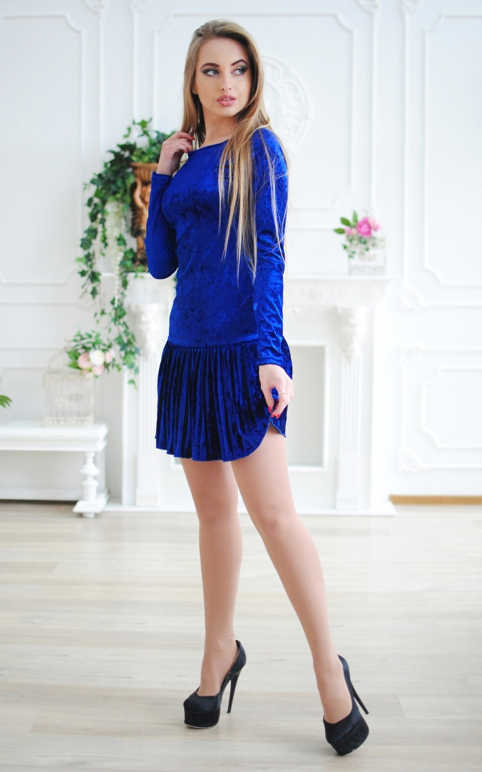 Short velor dress