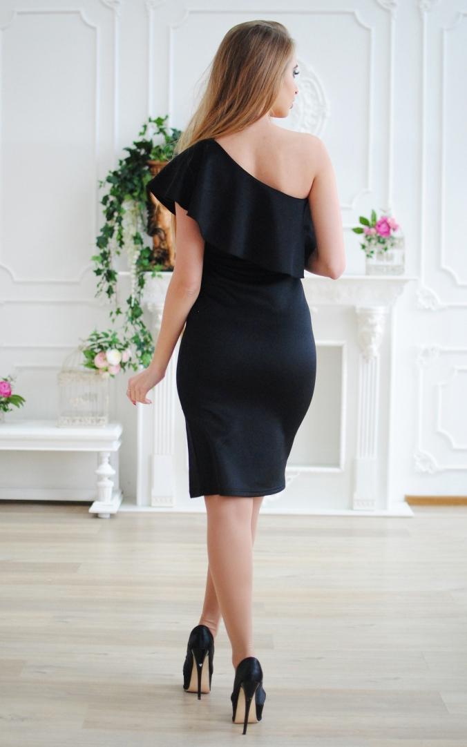 Элегантное платье волан