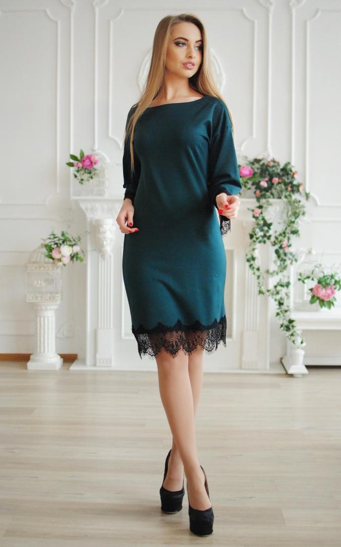 Стильна сукня з мереживом