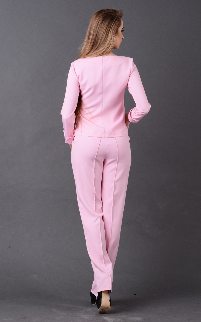 Elegant trouser suit
