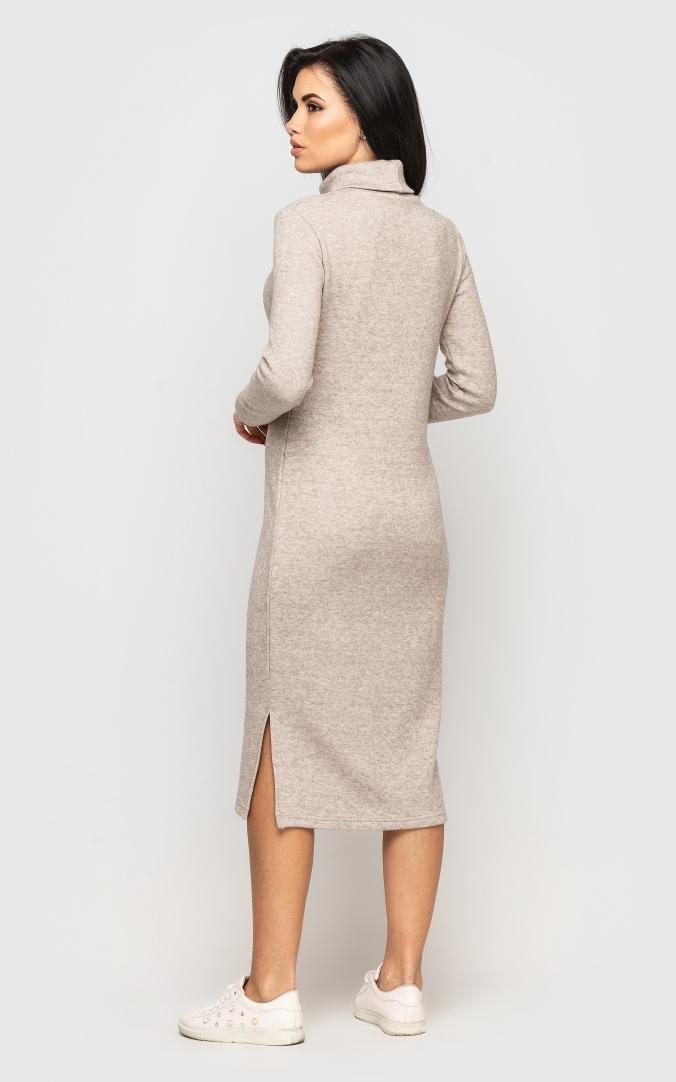 Теплое длинное платье (бежевое)