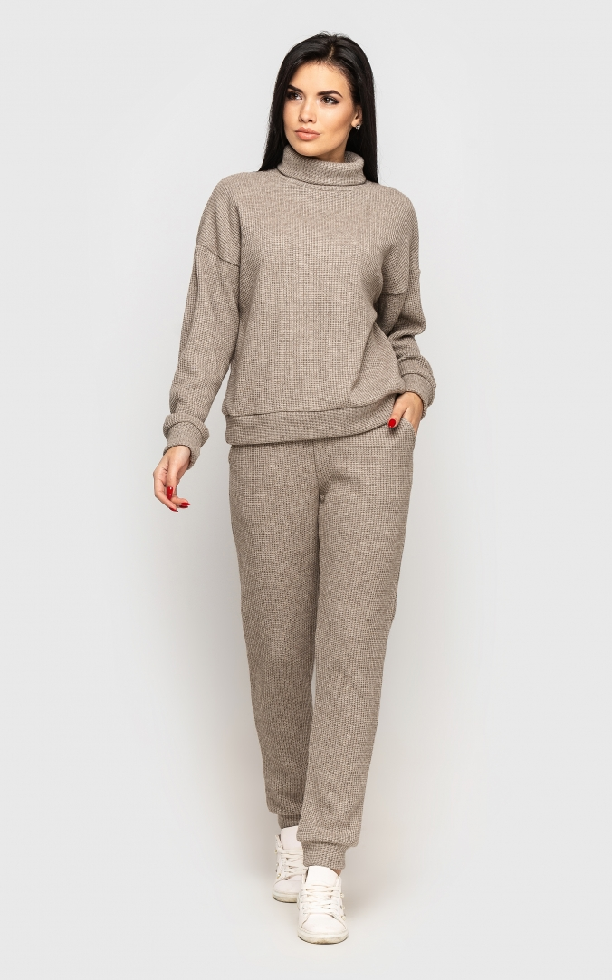 Warm knitted suit (beige)