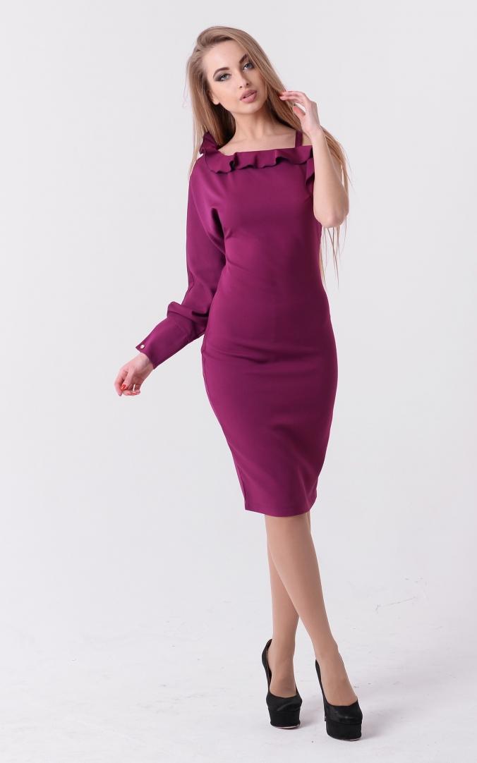 Эффектное платье рюша