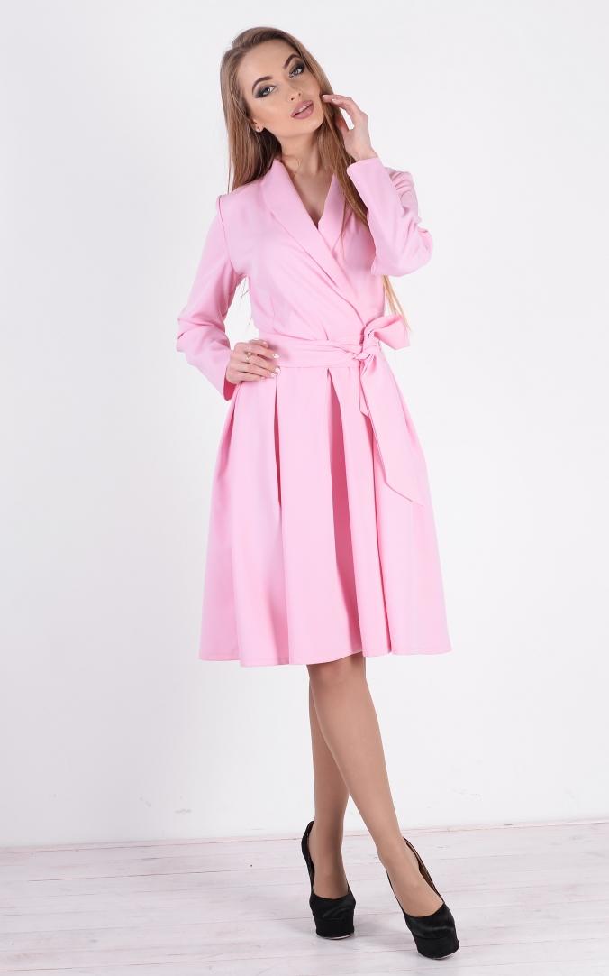 Лаконичное платье с поясом