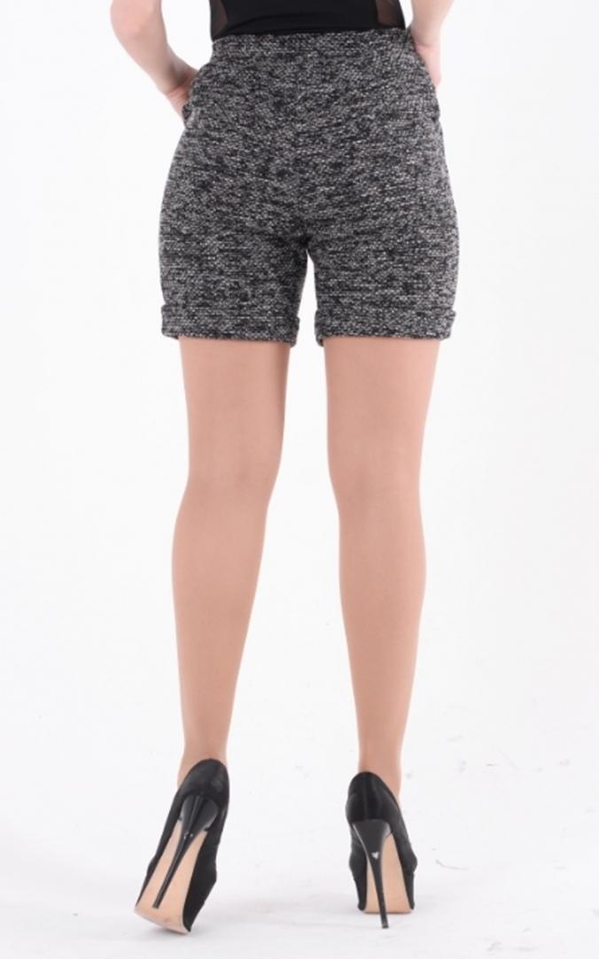 Stylish booklet shorts