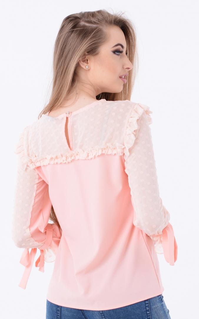 Легкая блузка рюши