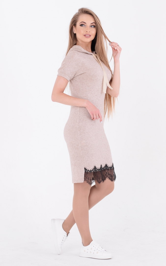 Straight dress with lace