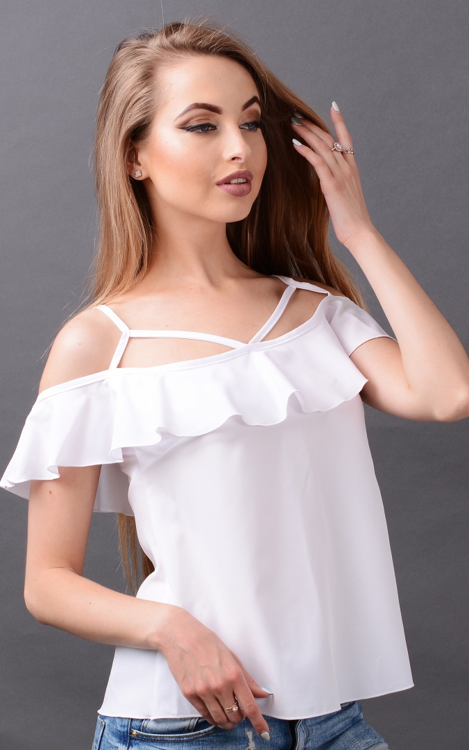 Summer T-shirt with thin straps