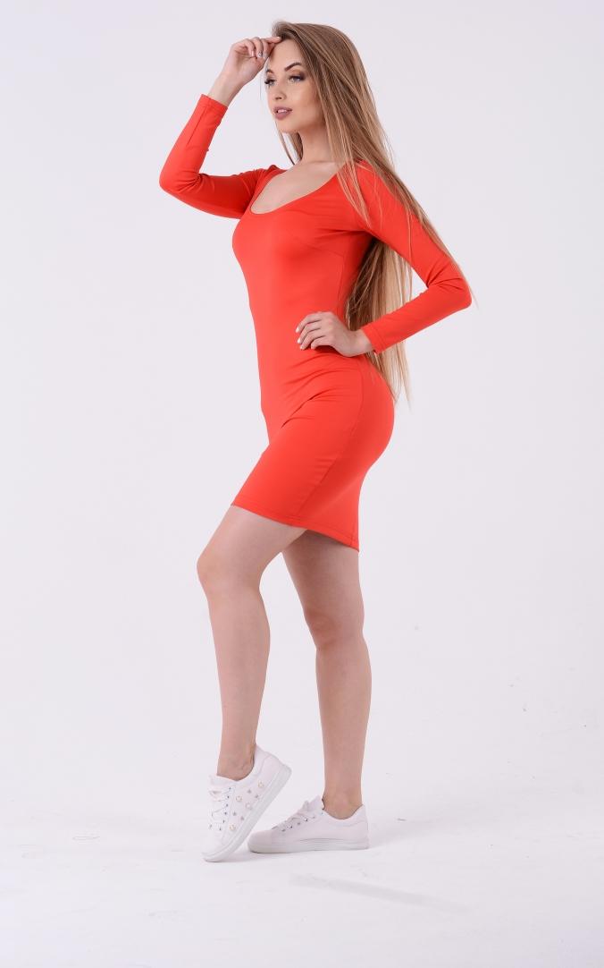 Коротка сукня з круглим вирізом